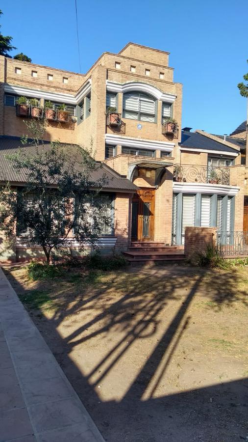 Foto Casa en Alquiler en  Jardín Espinosa,  Cordoba Capital  Jardin Espinosa - Richieri al 300