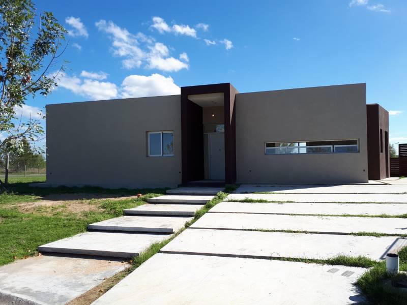 Foto Casa en Venta en  El Canton,  Countries/B.Cerrado  Barrio Puerto 79