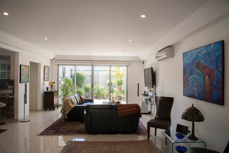 Foto Casa en condominio en Venta en  Escazu,  Escazu   Bello Horizonte/ 296m2 de construcción/ 3 parqueos/ Condominio