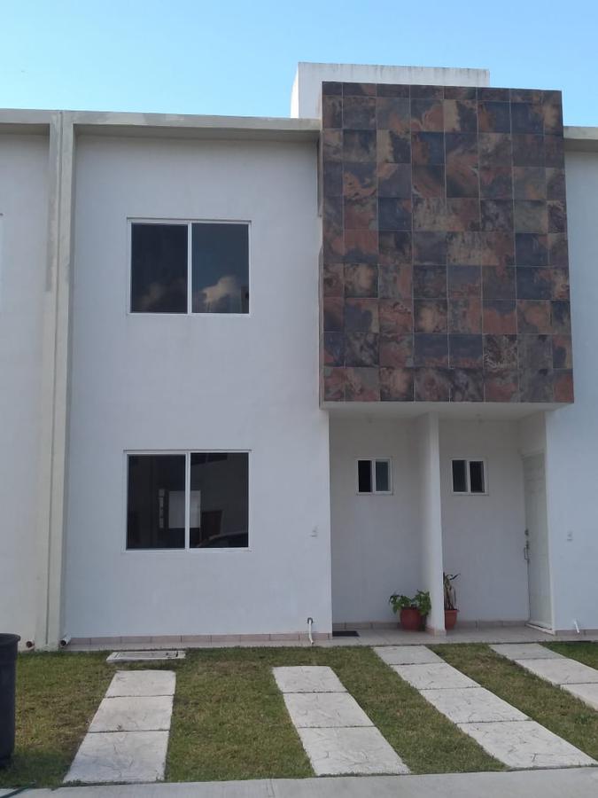 Foto Casa en Renta en  Cancún ,  Quintana Roo  Casa en Renta en Cancún/  Jardines del Sur 3