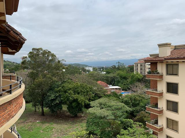 Foto Departamento en Renta en  Escazu ,  San José  Exclusivo Apartamento en Alquiler con línea blanca en Escazú
