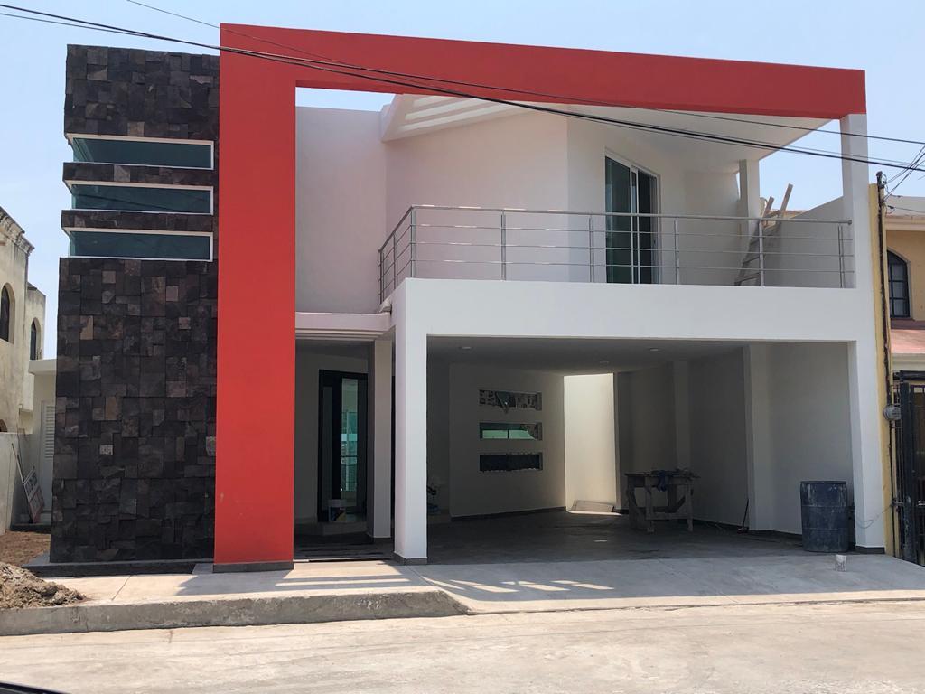 Foto Casa en Venta en  Tancol,  Tampico  Casa con alberca Col Tancol