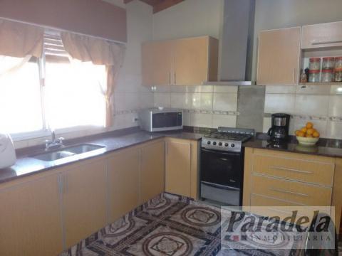 Foto Casa en Venta en  Barrio Parque Leloir,  Ituzaingo  Larreta al 4800