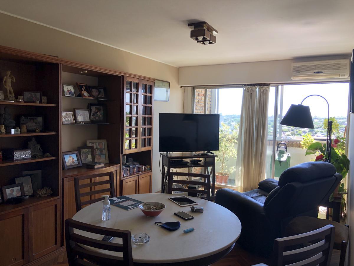 Foto Apartamento en Venta en  Malvín ,  Montevideo  Avda. Italia frente a Plaza Italia