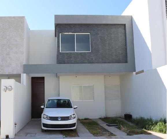 Foto Casa en Venta en  Villa de Pozos,  San Luis Potosí  Casa en Privada Pomona - Moderna -