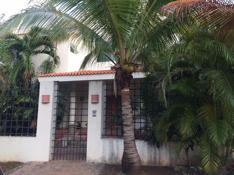 Foto Casa en condominio en Venta en  Cancún ,  Quintana Roo  CASA EN VENTA EN CANCUN RESIDENCIAL CAMPESTRE
