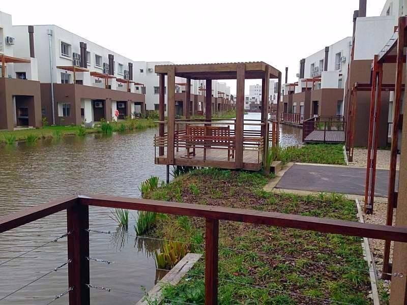 Foto Departamento en Venta en  Lago del Sendero,  El Sendero  Nordelta venta de  departamento de 4 amb. Planta baja con deck de madera sobre el agua!!