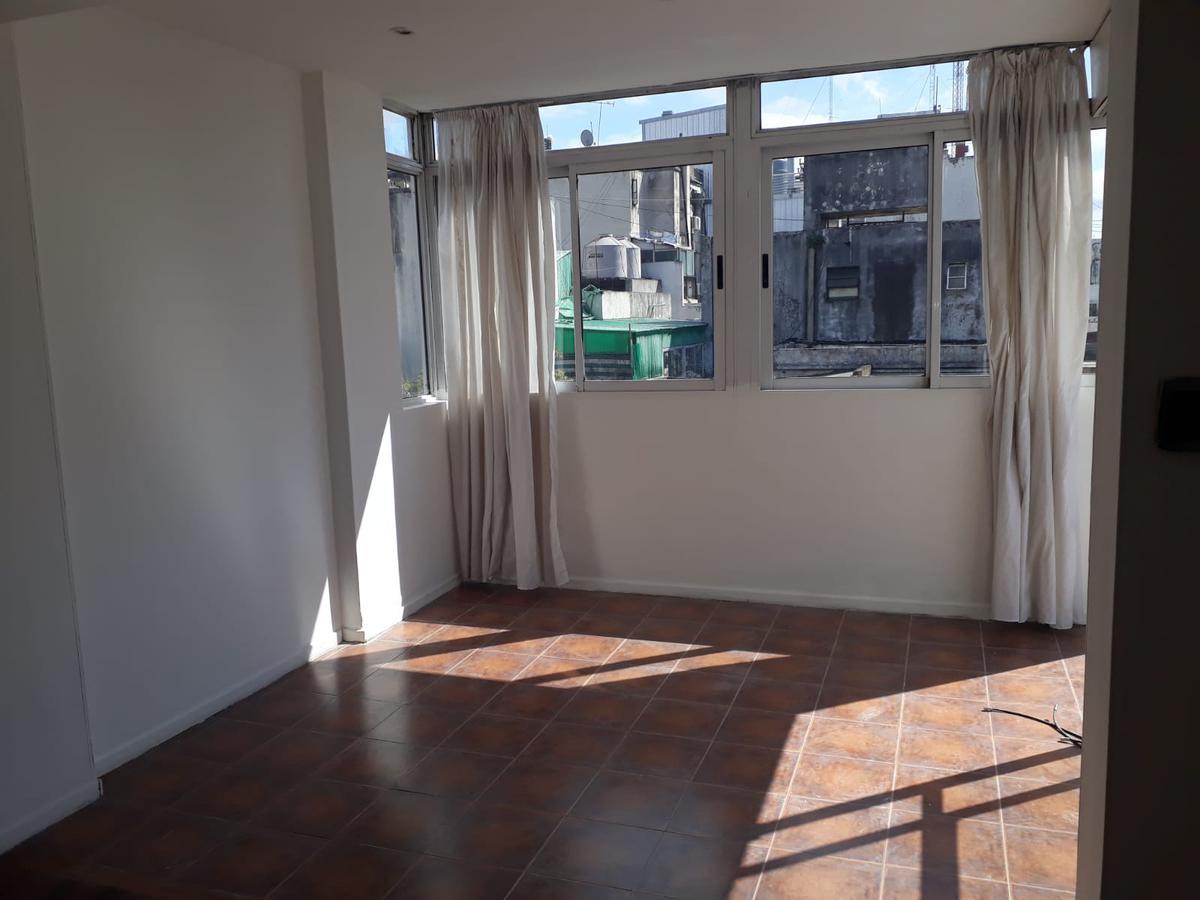 Foto Departamento en Venta en  Recoleta ,  Capital Federal  Azcuenaga al 1200