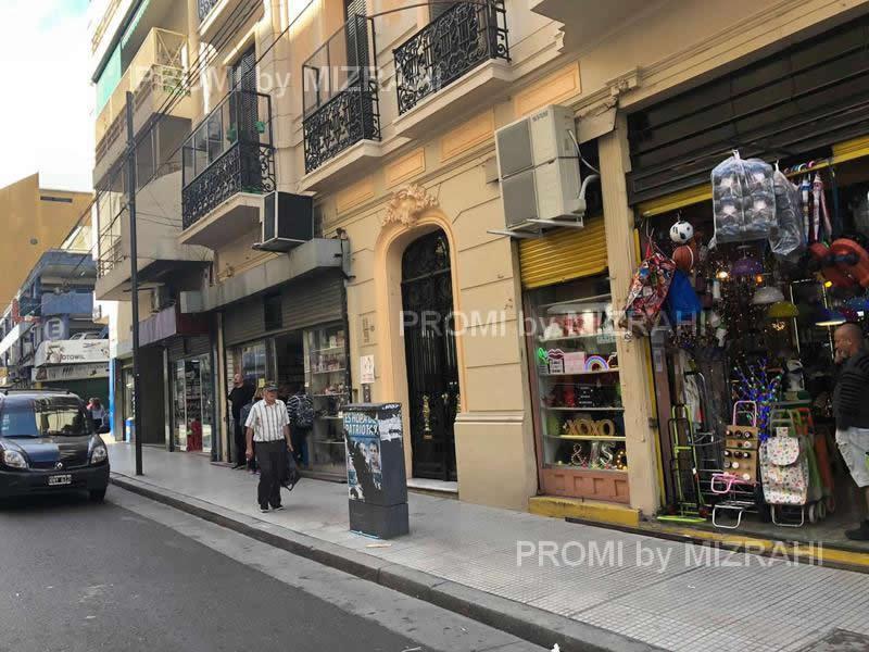 Foto Local en Venta en  Once ,  Capital Federal  Sarmiento al 2400