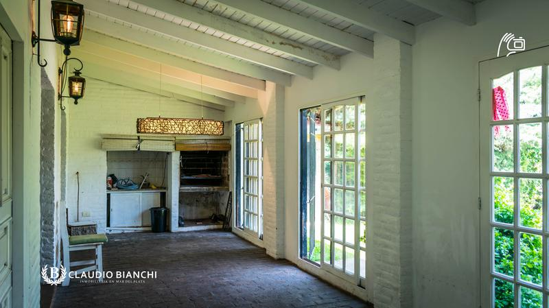 Foto Casa en Venta en  City Bell,  La Plata  467 entre 30 y 31