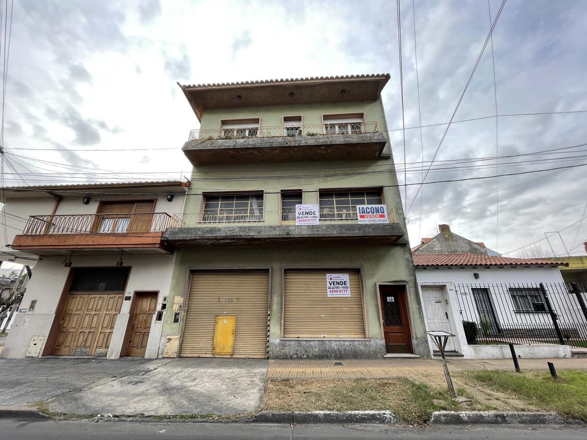Foto Galpón en Venta en  Bernal Oeste,  Quilmes  Gral. Smith 249 entre Av. Zapiola y 9 de Julio