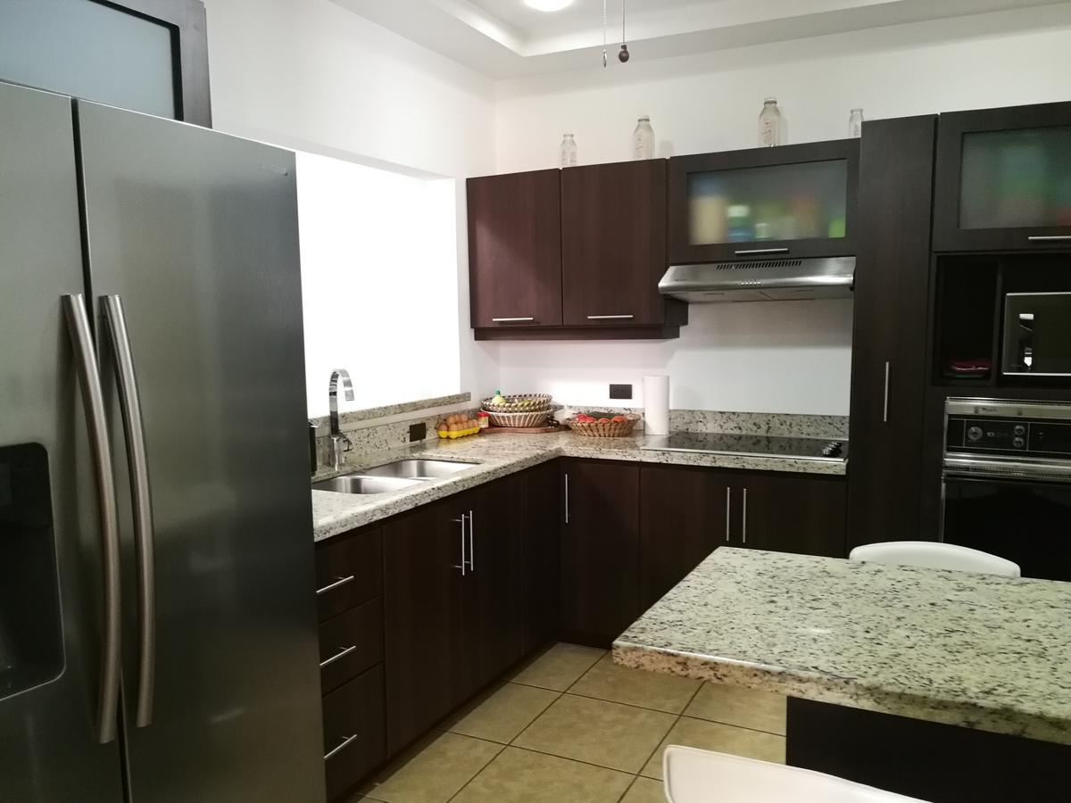 Foto Casa en Venta en  Pavas,  San José  Una planta/ 3 estacionamientos / Rohrmoser