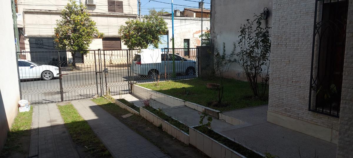Foto Casa en Venta en  Capital ,  Tucumán  Santiago del Estero al 1500