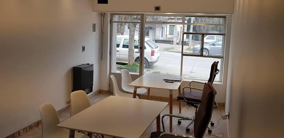 Foto Oficina en Alquiler en  Centro,  San Carlos De Bariloche  Villegas al 600