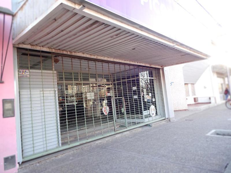 Foto Local en Alquiler en  General Pico,  Maraco  18 entre 17 y 15