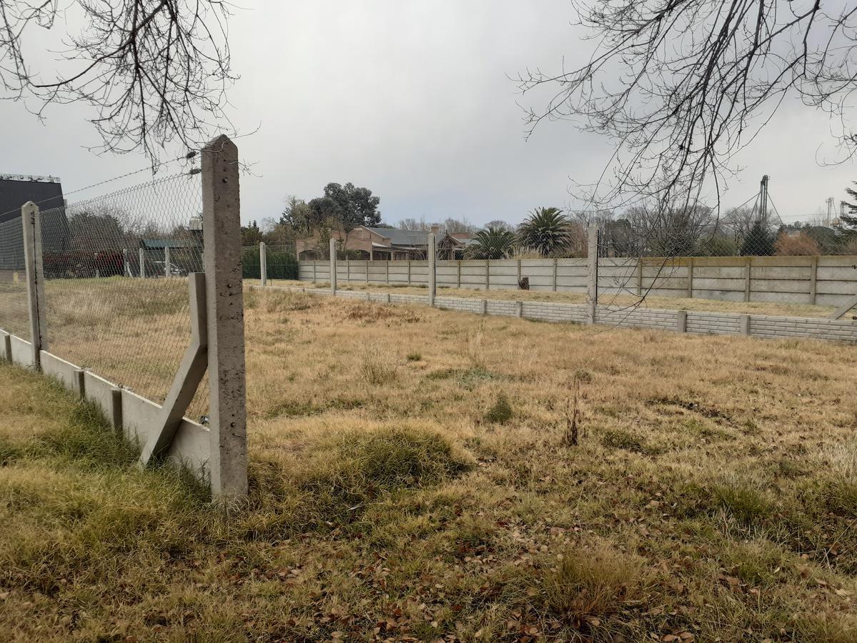 Foto Terreno en Venta en  Macachin,  Atreuco  Acceso Norte - Macachín - La Pampa