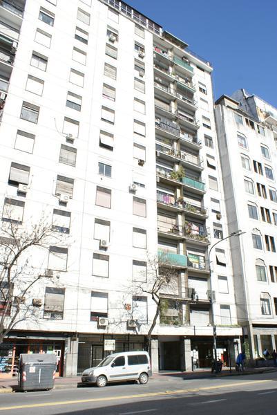 Foto Departamento en Venta en  Constitución ,  Capital Federal  Juan de Garay al 1200
