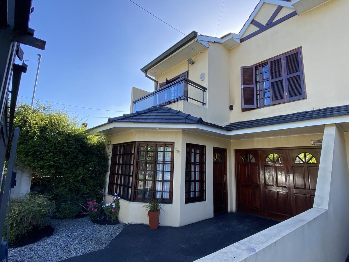 Foto Casa en Venta en  B.Los Pinares,  Mar Del Plata  Benito Juárez 383, entre P. Cardiel y G. Rejon