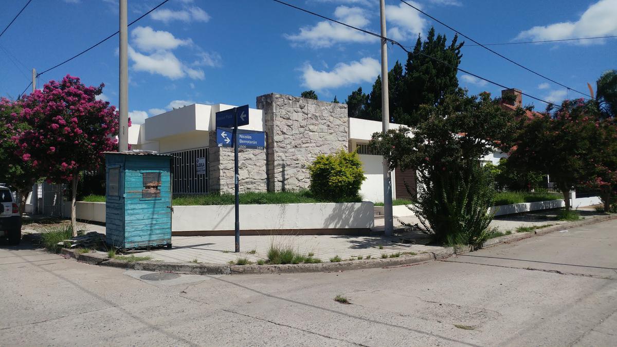 Foto Casa en Alquiler en  Cerro De Las Rosas,  Cordoba  Hilarion Plaza al 1400