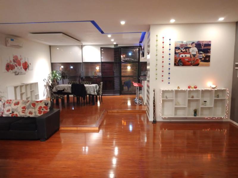 Foto Casa en Venta en  Lanús ,  G.B.A. Zona Sur  LA RIOJA al 600