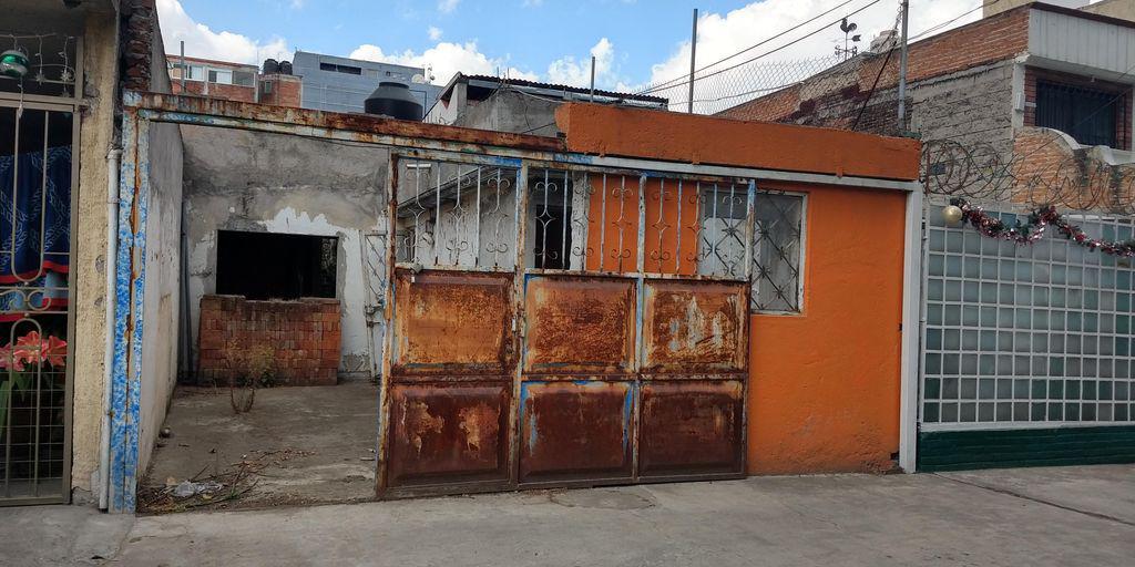 Foto Casa en Venta en  Metepec ,  Edo. de México  CASA A PRECIO DE TERRENO