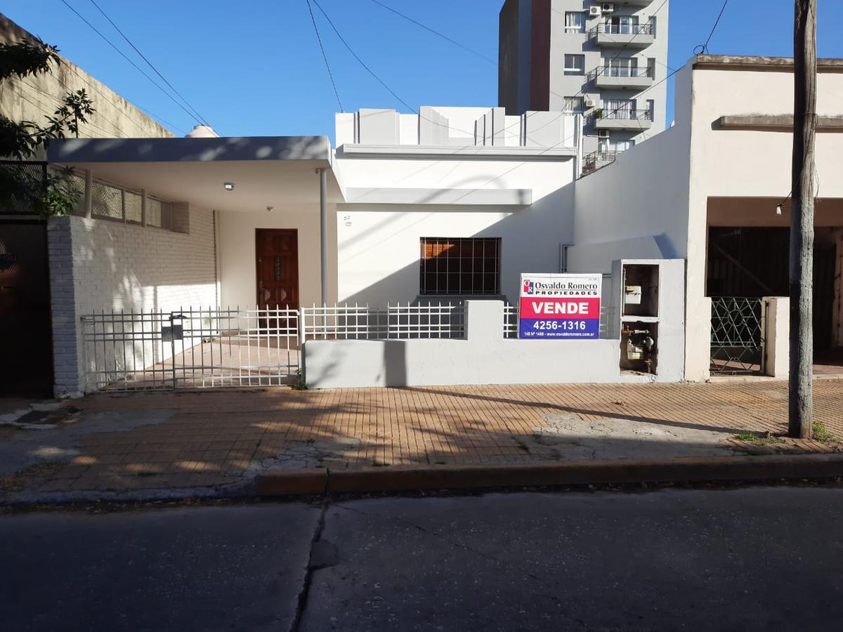 Foto Casa en Venta en  Berazategui ,  G.B.A. Zona Sur  Calle 15 A N°4981 e/150 y 151