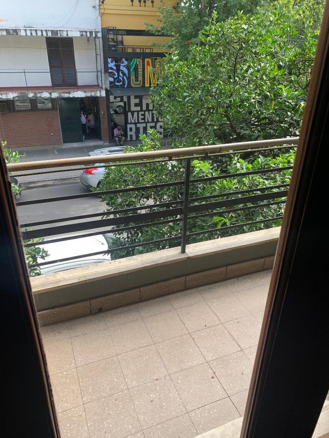 Foto Oficina en Alquiler en  Barrio Norte,  San Miguel De Tucumán  Casa/oficinas calle Santa fe al 700