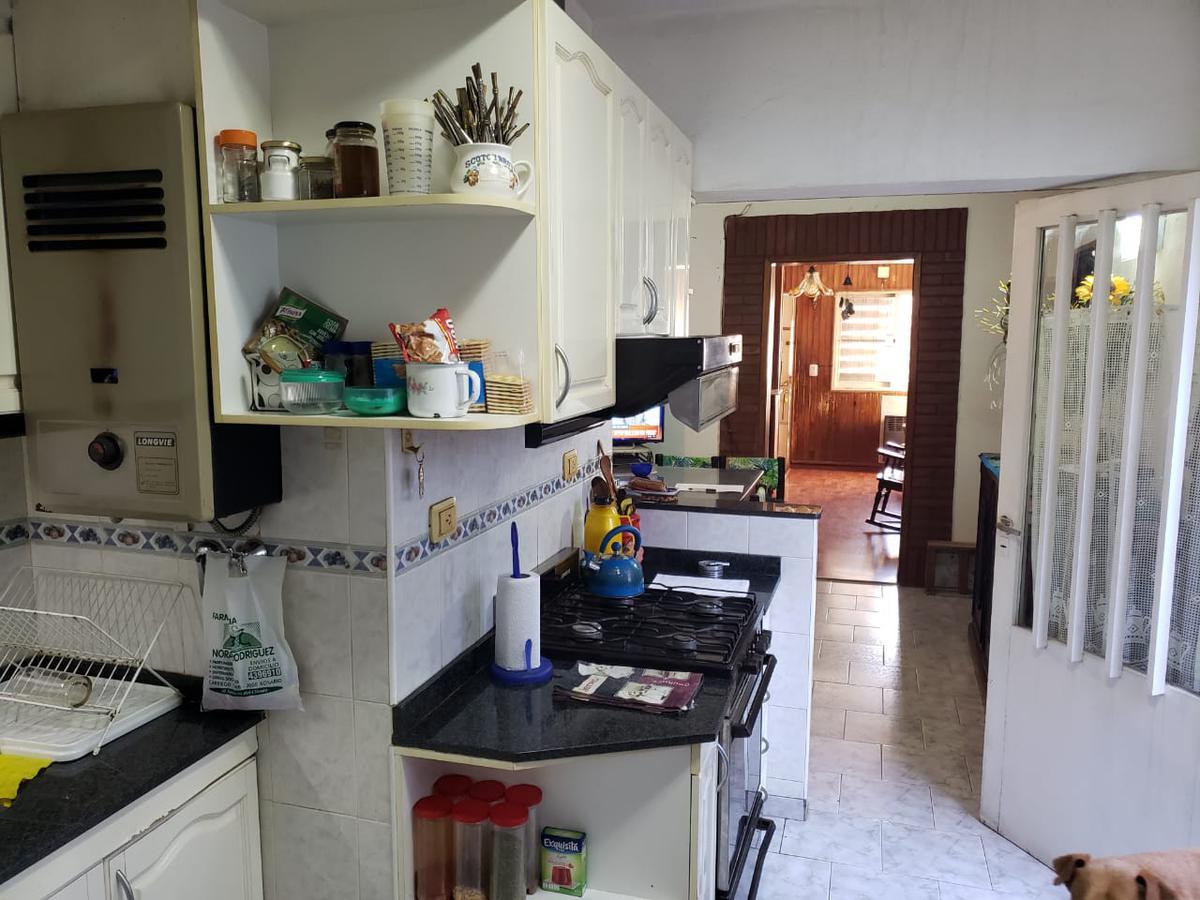 Foto Casa en Venta en  Remedios de Escalada de San Martin,  Rosario  9 DE JULIO al 4700