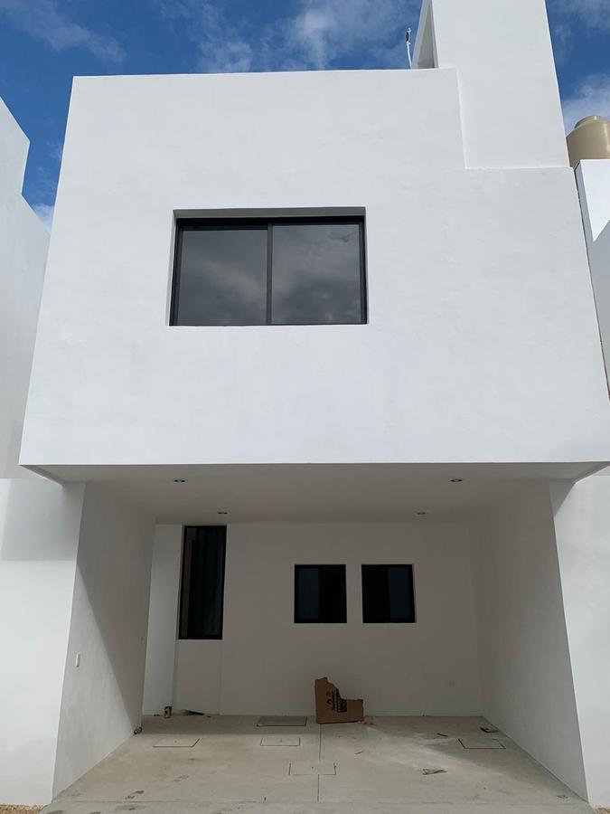 Foto Casa en Renta en  Mérida ,  Yucatán  Rento Townhouse bien ubicado