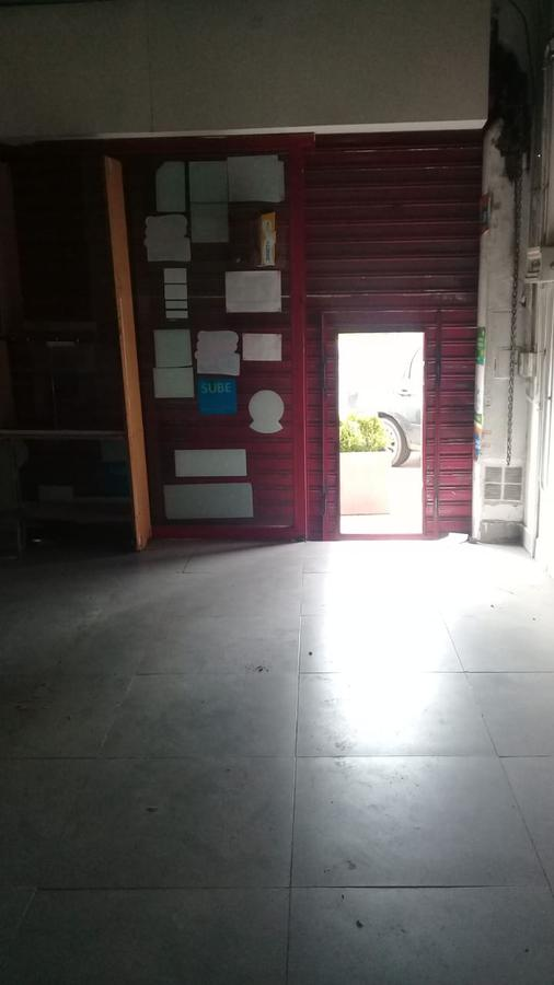 Foto Local en Alquiler en  S.Fer.-Vias/Centro,  San Fernando  COLON 1300