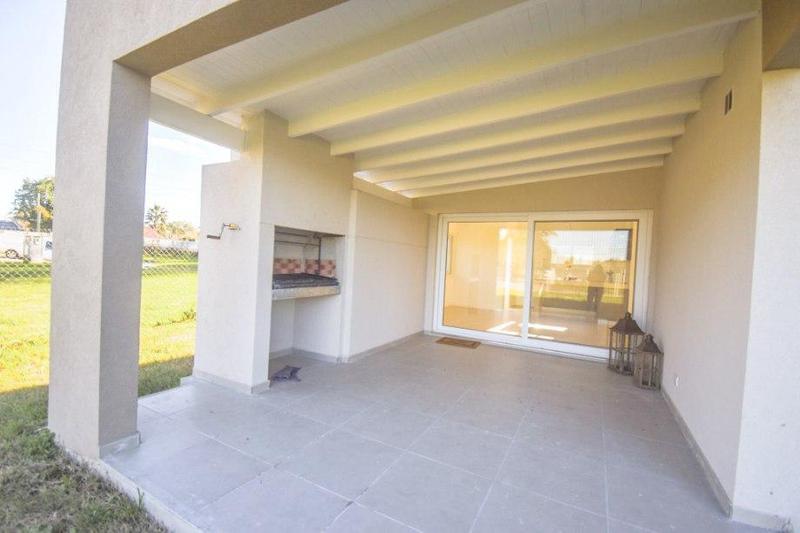 Foto Casa en Venta en  Fincas de Hudson,  Countries/B.Cerrado (Berazategui)  137 _Nº 7400 Guillermo Hudson