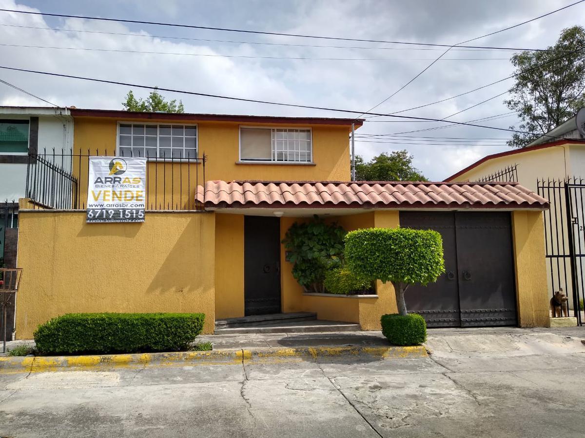 Foto Casa en Venta en  Ciudad Satélite,  Naucalpan de Juárez          Juan Cordero, Circuito Pintores