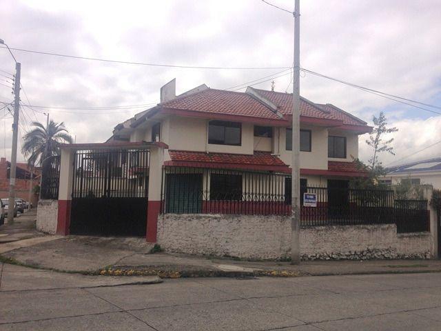 Foto Casa en Venta en  Centro de Cuenca,  Cuenca  Calle Daniel Alvarado