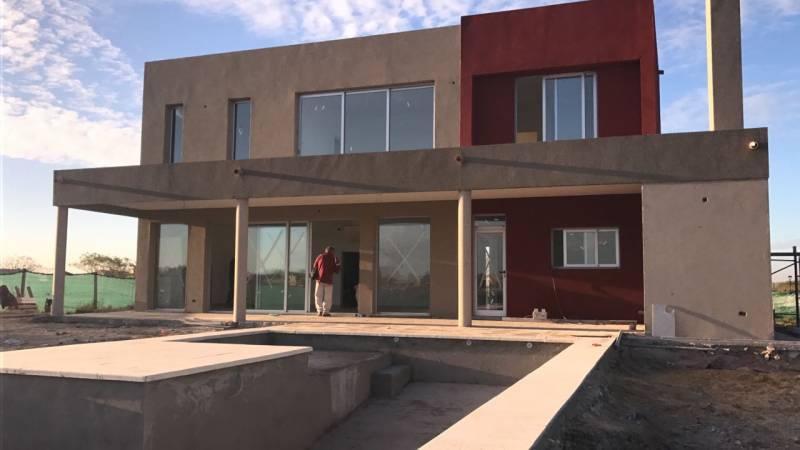 Foto Casa en Venta    en  El Canton,  Countries/B.Cerrado  El canton Norte 100