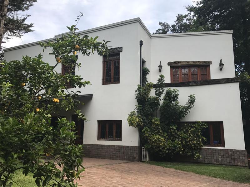 Foto Casa en Alquiler temporario en  Barrio Parque Leloir,  Ituzaingo  De los Baqueanos al 900