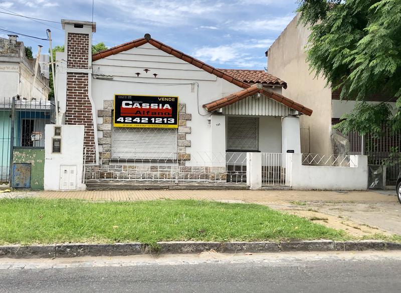 Foto Casa en Alquiler |  en  Banfield Oeste,  Banfield  LAS HERAS 745