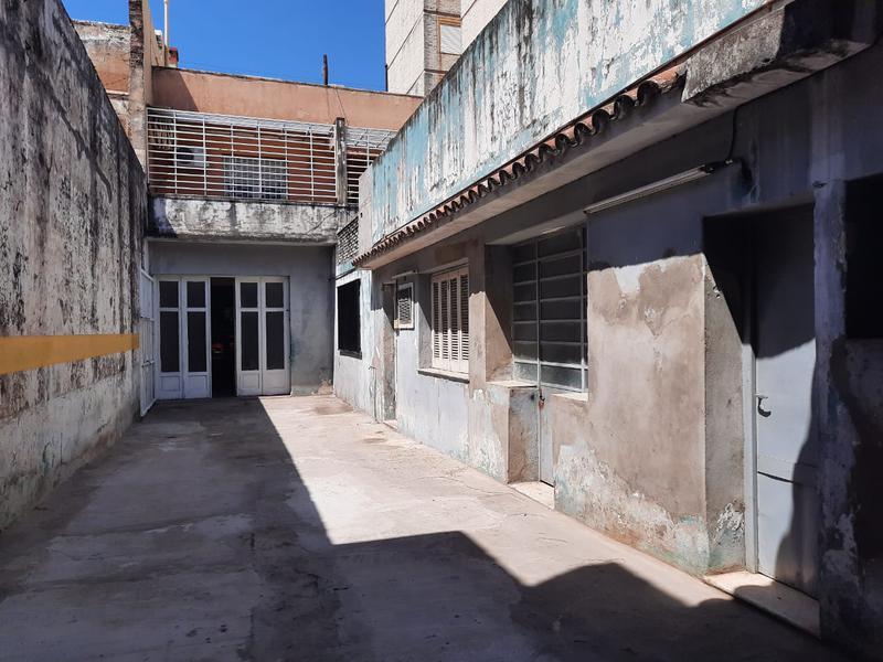 Foto Local en Alquiler en  Rosario,  Rosario  San Martín al 1800
