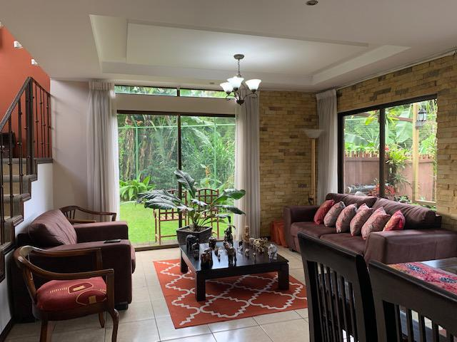 Foto Casa en condominio en Venta en  Curridabat,  Curridabat           270m2/ Pinares de Curridabat  / bien ubicada