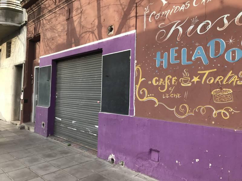 Foto Local en Alquiler en  Parque Patricios ,  Capital Federal  Colonia al 300
