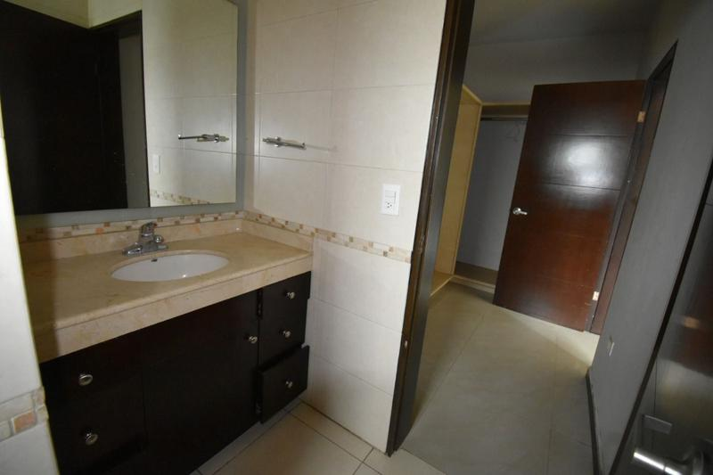 Foto Casa en Renta en  La Rioja Privada Residencial 1era. Etapa,  Monterrey  Casa en Renta en La Rioja - frente a parque -Zona Sur Mty, N. L. (AAH)