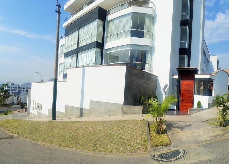 Foto Departamento en Venta |  en  Santiago de Surco,  Lima  JIRON LOS AMANCAES 200