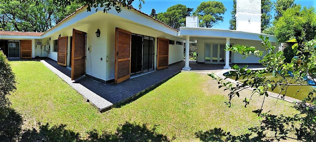 Foto Casa en Alquiler en  Jardín Espinosa,  Cordoba Capital  Jardin Espinosa - Iñigo la Pascua al 3400