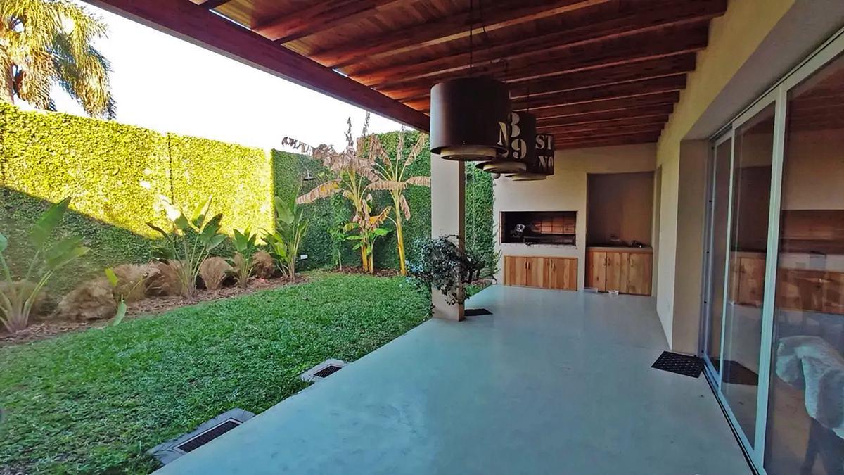 Foto Casa en Venta en  Gualeguaychu ,  Entre Rios  Zona Residencial
