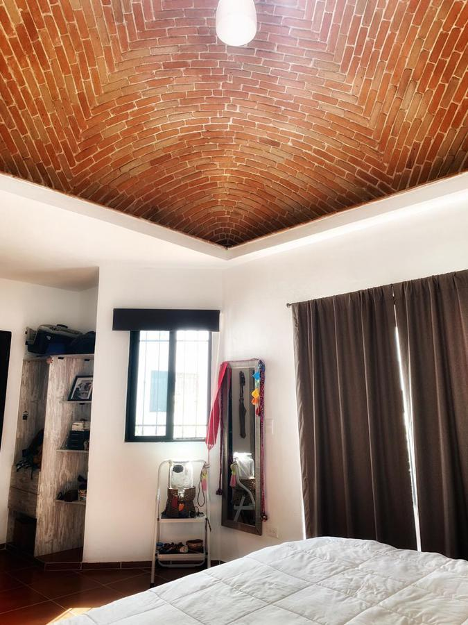 Marsella Casa for Venta scene image 3