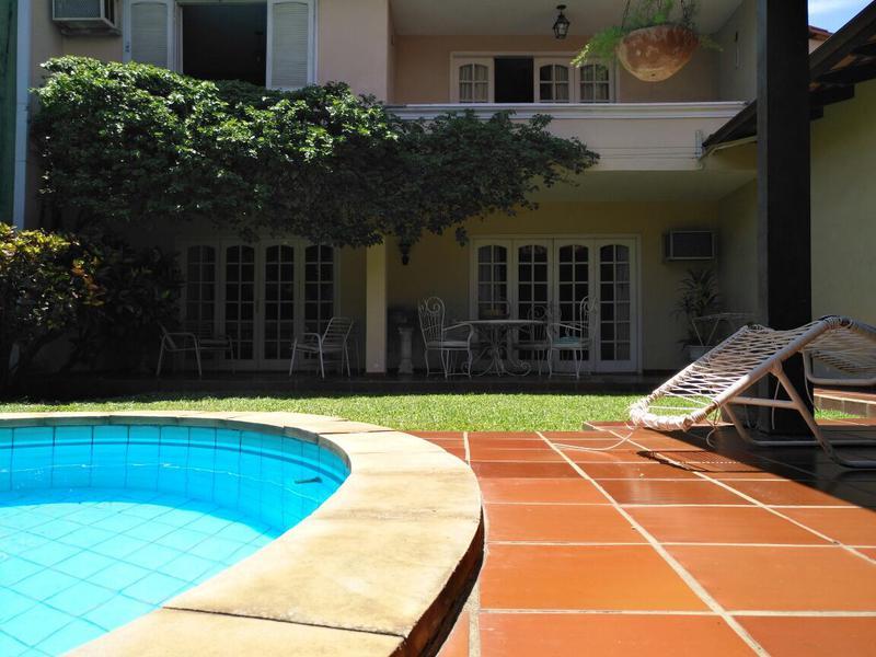 Foto Casa en Venta en  Las Lomas,  Santisima Trinidad  Barrio Miraflores