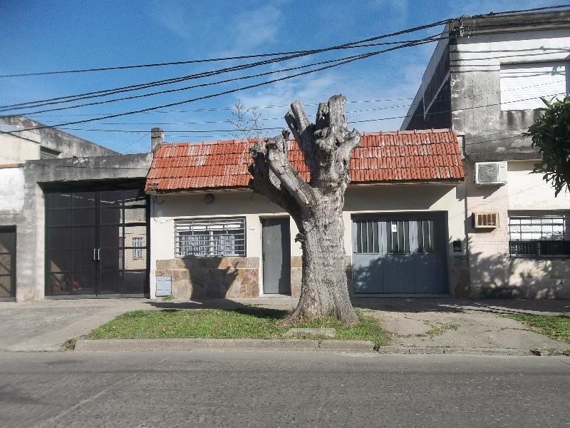 Foto Casa en Alquiler en  Bella Vista,  Rosario  Lavalle 2412