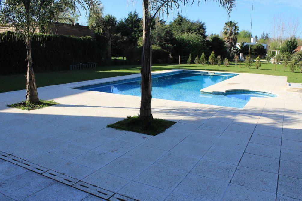 Foto Casa en Alquiler | Venta en  El Lauquen,  Countries/B.Cerrado (E. Echeverría)  El Lauquen en Alquiler anual