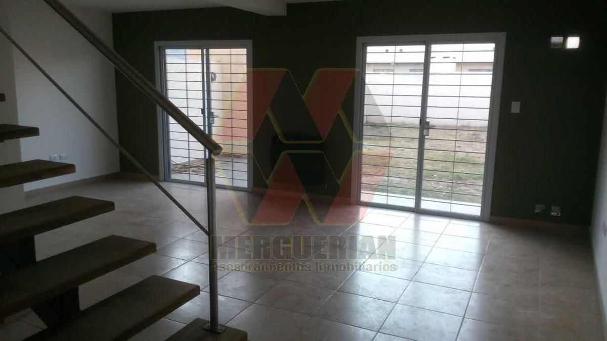 Foto Casa en Venta en  Nuevo Poeta Lugones,  Cordoba Capital  Carlos Vega al 4900
