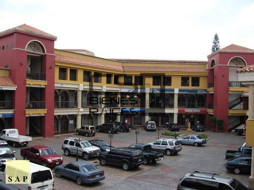 Foto Local en Renta en  Boulevard Morazan,  Tegucigalpa  Local Comercial fte. Boulevard Morazán