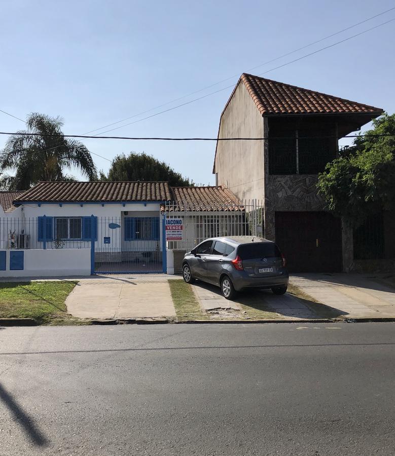 Foto Departamento en Venta en  Quilmes ,  G.B.A. Zona Sur  Triunvirato 3351 entre calle 382 y calle 383